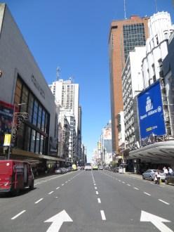 En la Avenida Corrientes, donde estaba nuestro Hostel Suites Obelisco ;D