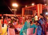 El día no se acabó ahí. Por la noche estábamos todos invitados a la boda de uno de los trabajadores del Rishikesh Yog Peeth! Ohhh yeahhhhhh!