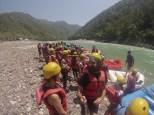 El día de antes de que me tocara el dar mi clase tuvimos varias actividades: la primera Rafting!!! Mirad que cara de tortolitos tenemos, jajaja