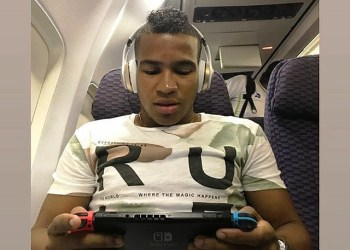 José 'Gasper' Murillo en el avión rumbo a Lima. Foto: Cortesía Arturo Bolvarán @abolvaran