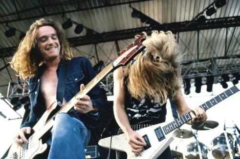 Metallica cliff