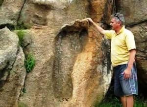 3  300x219 - Pisada humana gigante de hace varios millones de años