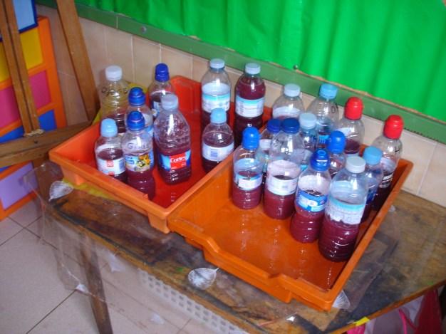 Nuestras botellas esperando ser llevadas a casa