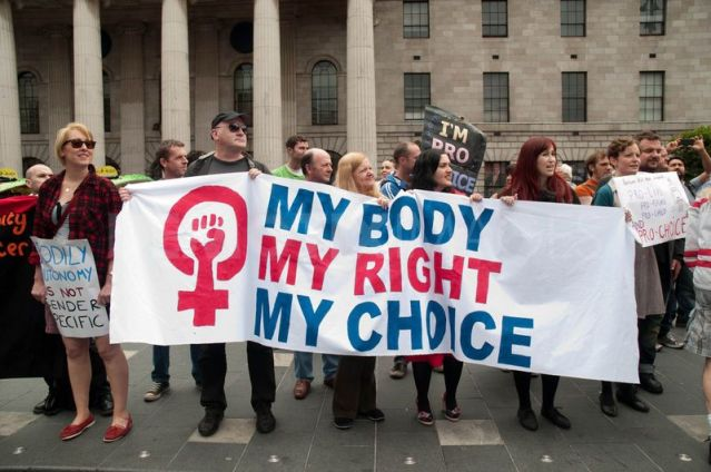 635375434390057793_1309732550-rally-for-life-antiabortion-protest-dublin744811
