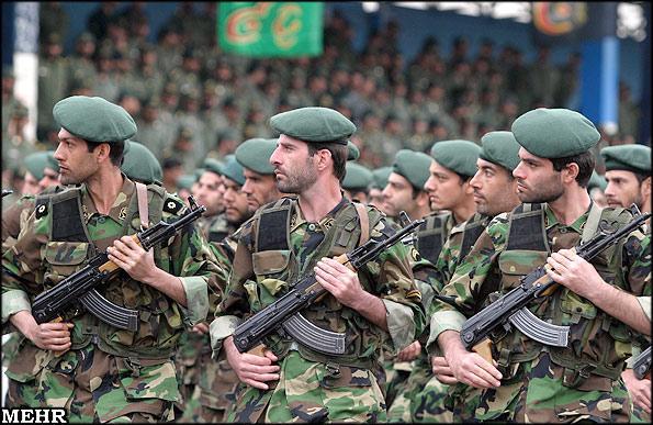 iran-pasdaran-troops
