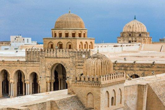 tunisia-kairouan-skyline-of-mosques