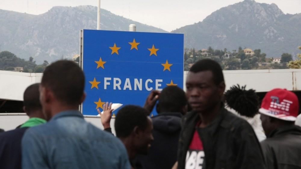 Migranti-al-confine-italia-francia.jpg
