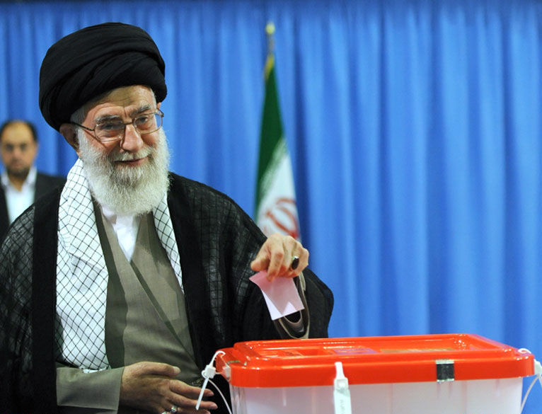 Ali_Khamenei_voting_in_2013_Presidential_Election_of_Iran.jpg