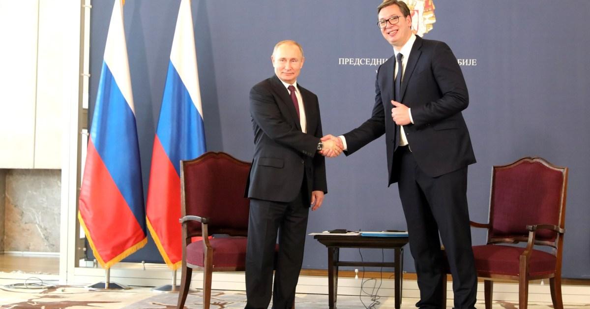 Il presidente serbo Alexander Vucic e il presidente russo Vladimir Putin nel 2019