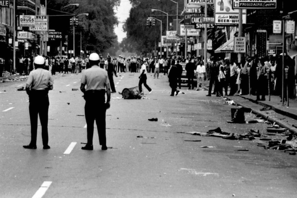 detroit-riots-9.jpg