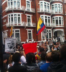 L'arresto di Julian Assange nel quadro della trasformazione politica dell'Ecuador