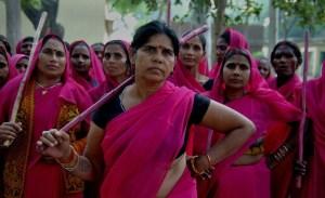 L'altra metà del cielo: la Gulabi Gang e il femminismo in India