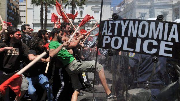 Proteste ad Atene.jpg