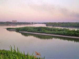 La linea curva: fiumi, confini e idropolitica