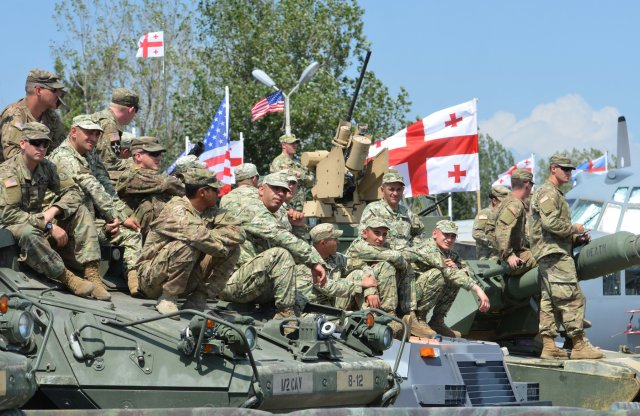 Georgian_and_US_soldiers_-_Noble_Partner_2017.jpg