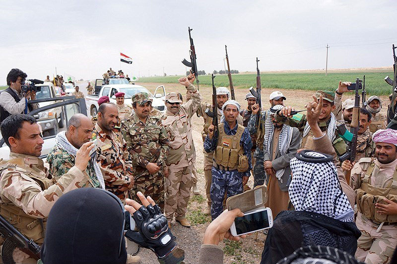 Victory_celebration_of_Iraqi_defenders_in_Saladin_Governorate_(3)