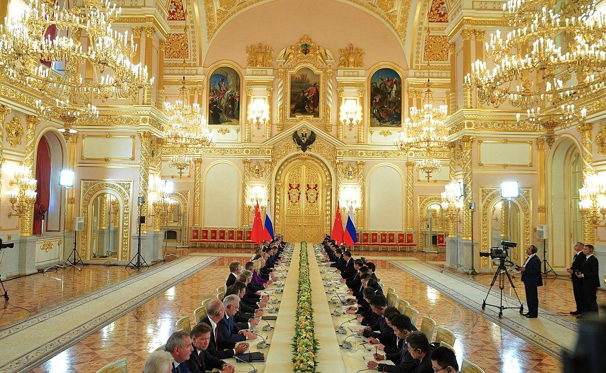 Vladimir_Putin_and_Xi_Jinping meeting