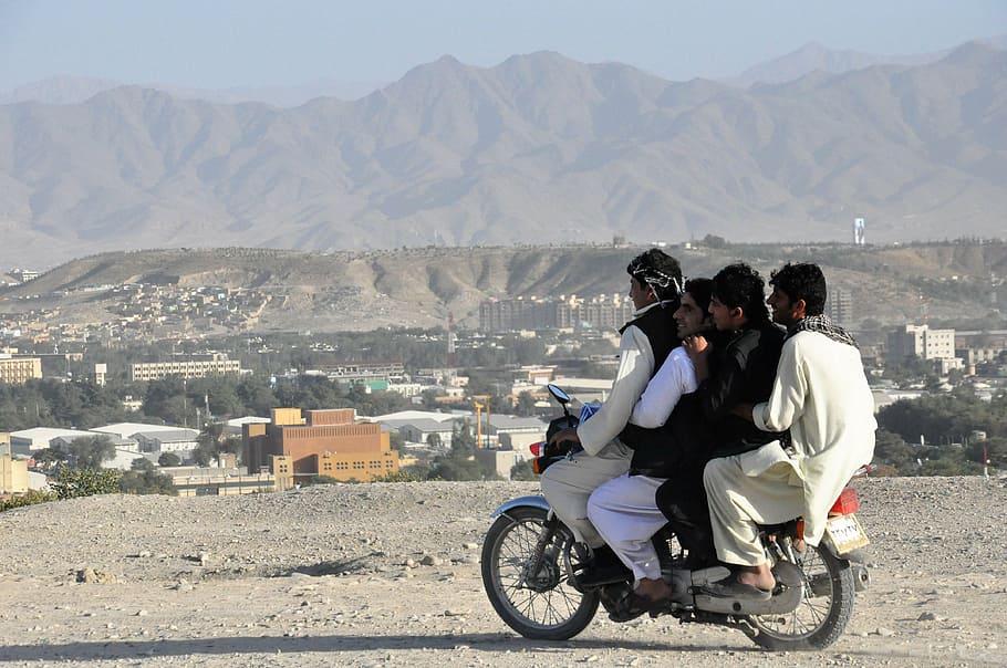 Stati Uniti e Talebani pace