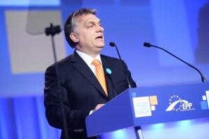 orban parla a un congresso del PPE