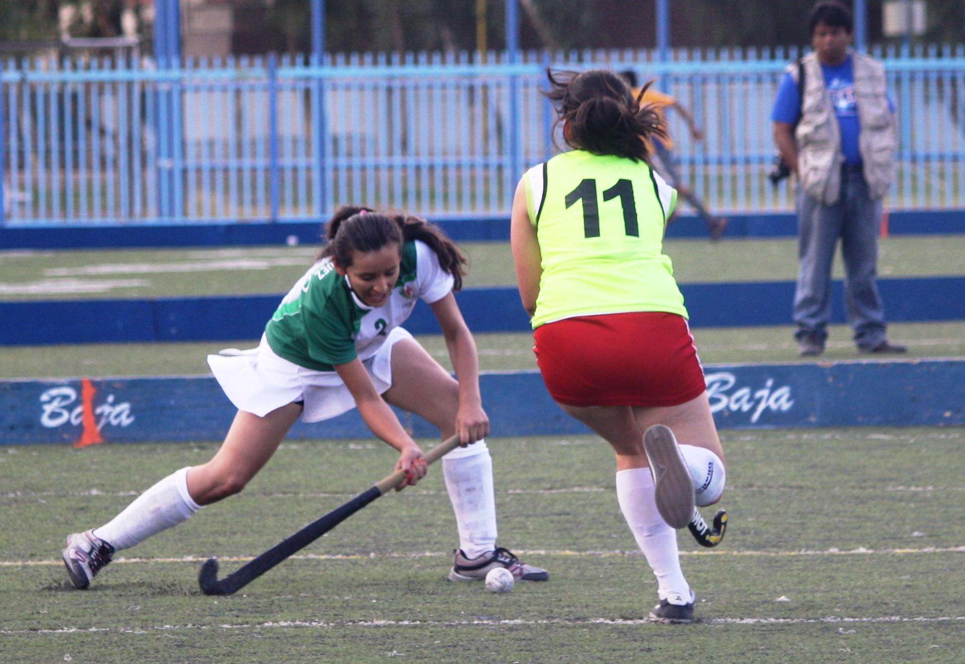 Hockey femenil sobre pasto