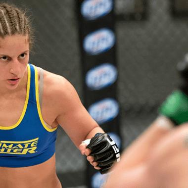 Sarah Moras, UFC, Donaciones, Pelea