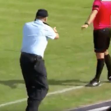 futbol, guardia de seguridad, llamada, teléfono, Turquía, partido interrumpido
