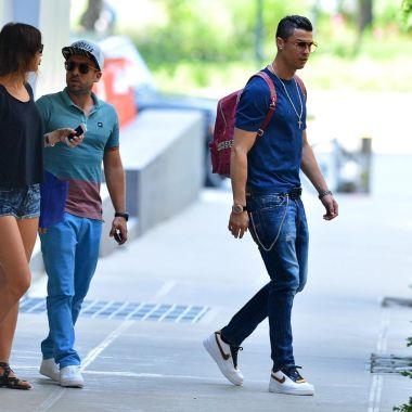 Cristiano Ronaldo, lanza línea, jeans, página de internet, marca, bermudas, Camisas, chaquetas, CR7, Real Madrid, moda