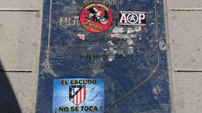 Placa Hugo Sánchez Atlético Madrid atacada