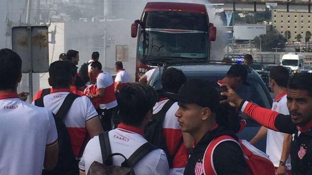 Necaxa, autobús, se incendia, Monterrey, Nuevo León, club, hotel