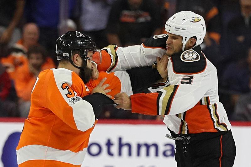 NHL golpes nocaut Superman Punch Radko Gudas Anaheim Ducks