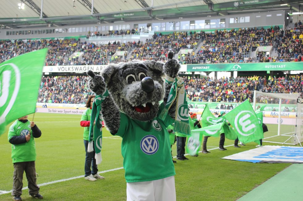 Lobos BUAP Wolfsburgo sociedad video Wölfi Mascota