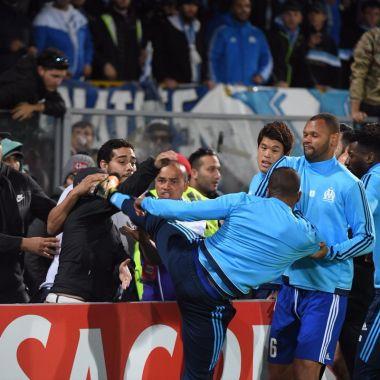 Patrice Evra Patada Europa League Olympique Marsella Afición