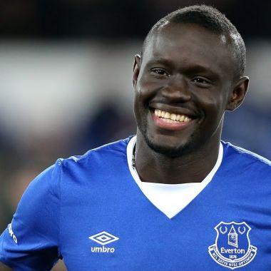 Oumar Niasse, primer futbolista, acusado, engañar a un árbitro, Premier League, FA, sancionado, 2 partidos sin jugar