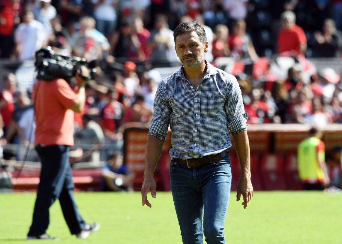 Nelson Vivas, entrenador, argentino, se aleja, futbol, por su hija, decisión, beneficia, familia