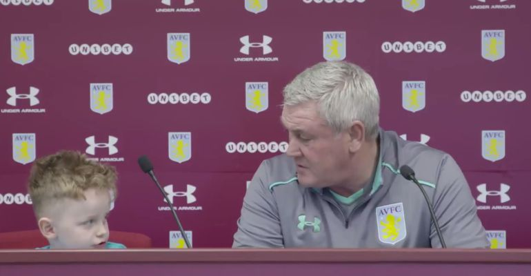Aston Villa Carter Carrington sin pierna Steve Bruce