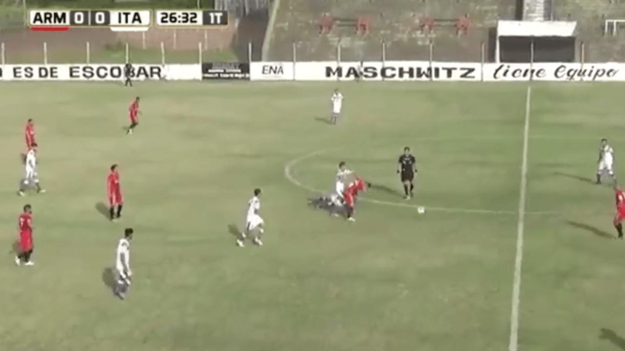 Futbolista, golpea en la espalda, se justifica, Argentina, Cristian Tula, defensor, capitán, Sportivo Italiano, Primera C, futbol, Argentina