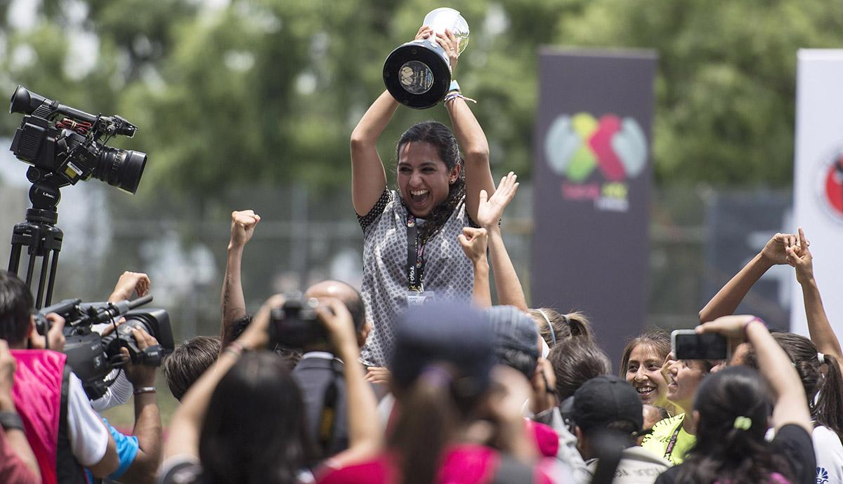 Entrenadora, pachuca, Eva Espejo, mejor de Concacaf, 2017, Tuzas, Campeona, Copa MX, finalista, supera, Roberto Medina, selección