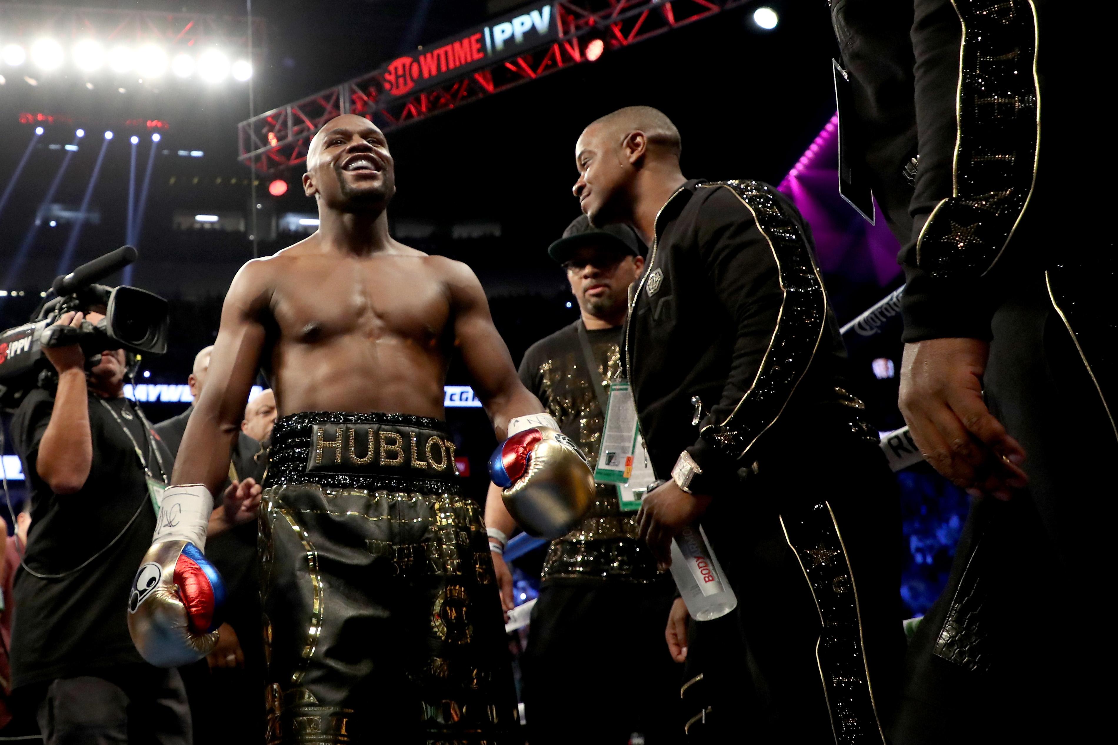 UFC Floyd Mayweather oferta millones de dólares Conor McGregor