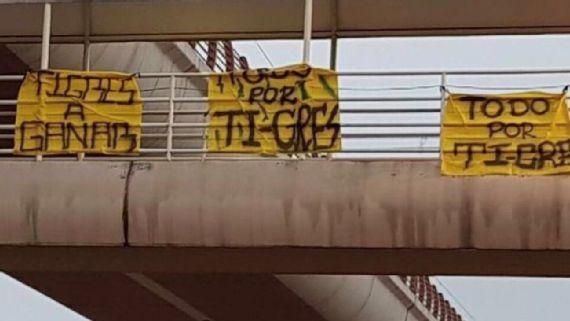 Porra, Tigres, coloca, mantas, calles, Monterrey, mensajes de apoyo, previo, final regia, Libres y Lokos, Rayados, afición