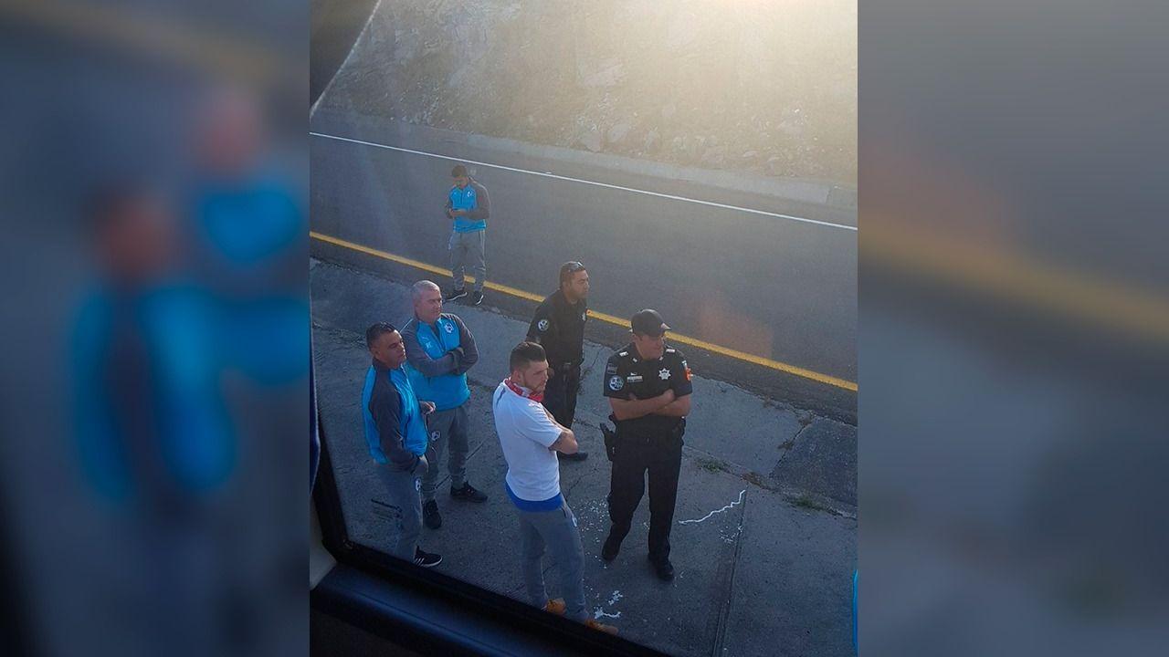 Querétaro, Gallos Blancos, Policía Federal, convive, Tiago Volpi, Pity Altamirano, revisión, rutina, autobús, carretera, Morelia