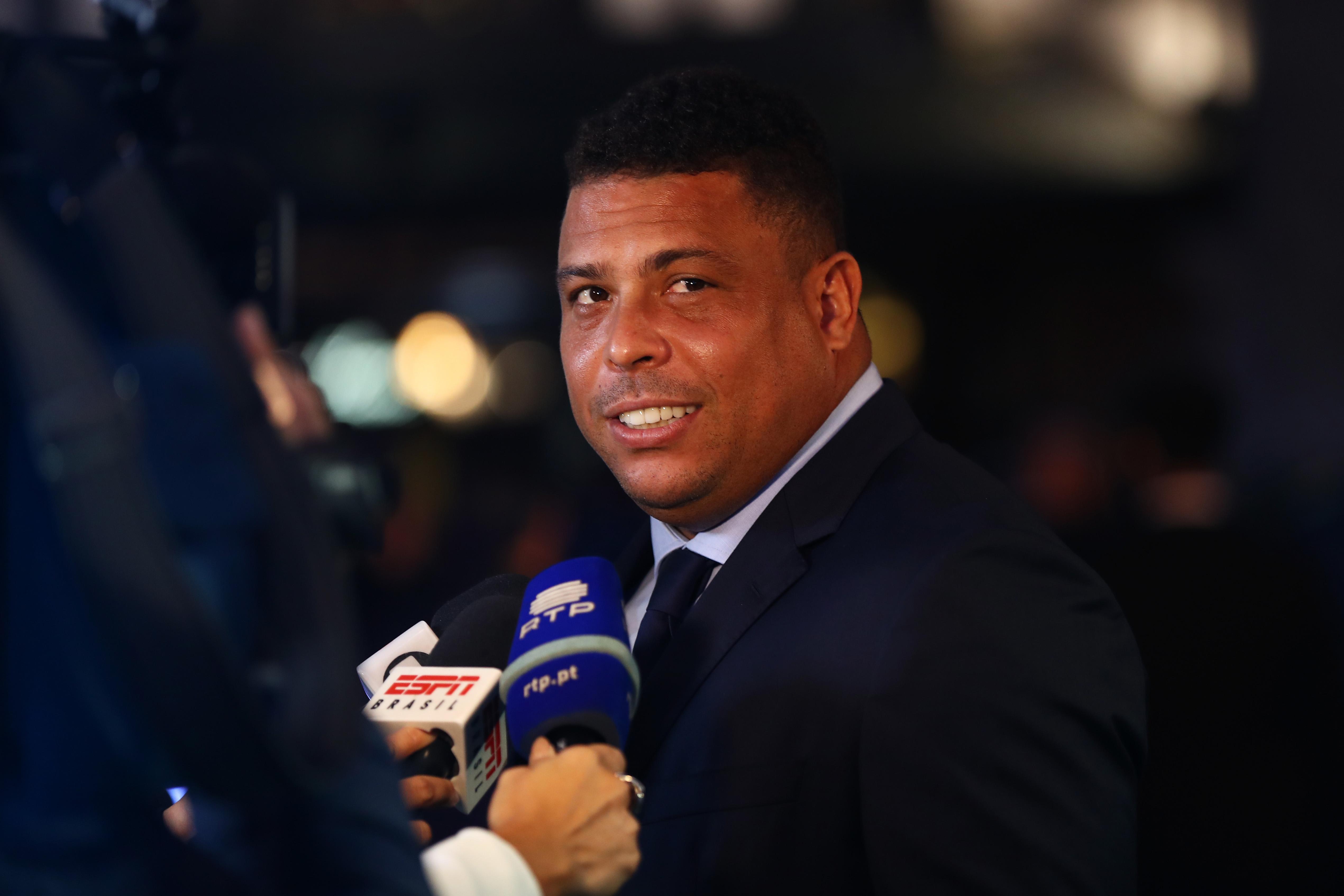 Ronaldo Nazario, futbolista, astro brasileño, el fenómeno, escondía cerveza, latas, guaraná, declaró, periódico, Brasil