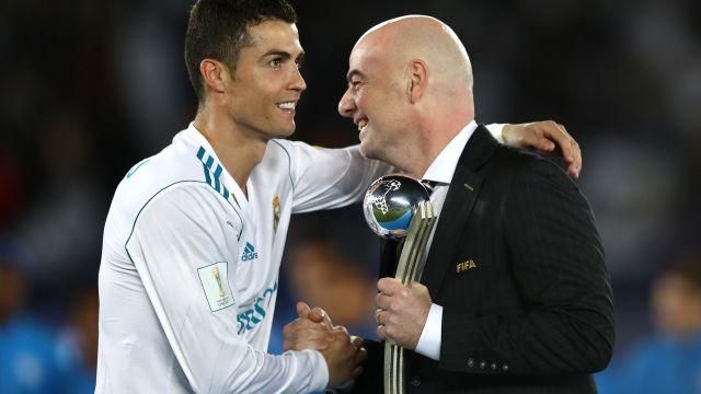 Gianni Infantino, presidente de la FIFA, quiere blanquear el futbol