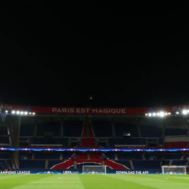 Goku Mosaico Paris Saint-Germain Francia Olympique Clásico