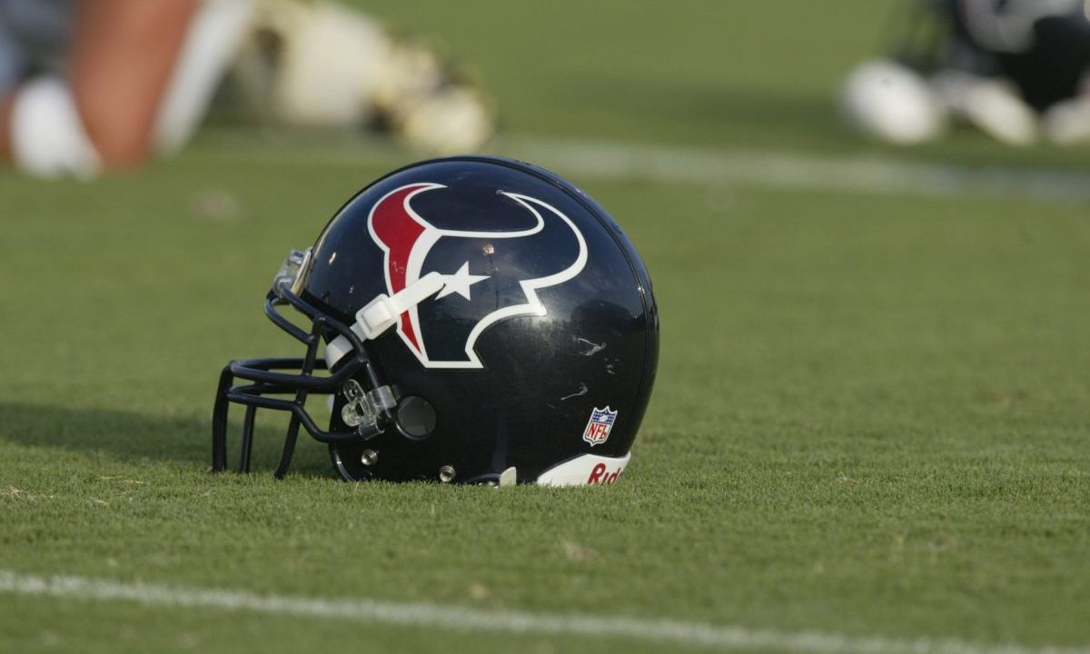 Ex empleada, Kristen Grimes, demanda, Houston Texans, NFL, acoso sexual, Jason Lowrey, ex director de operaciones, el equipo, lo permitió