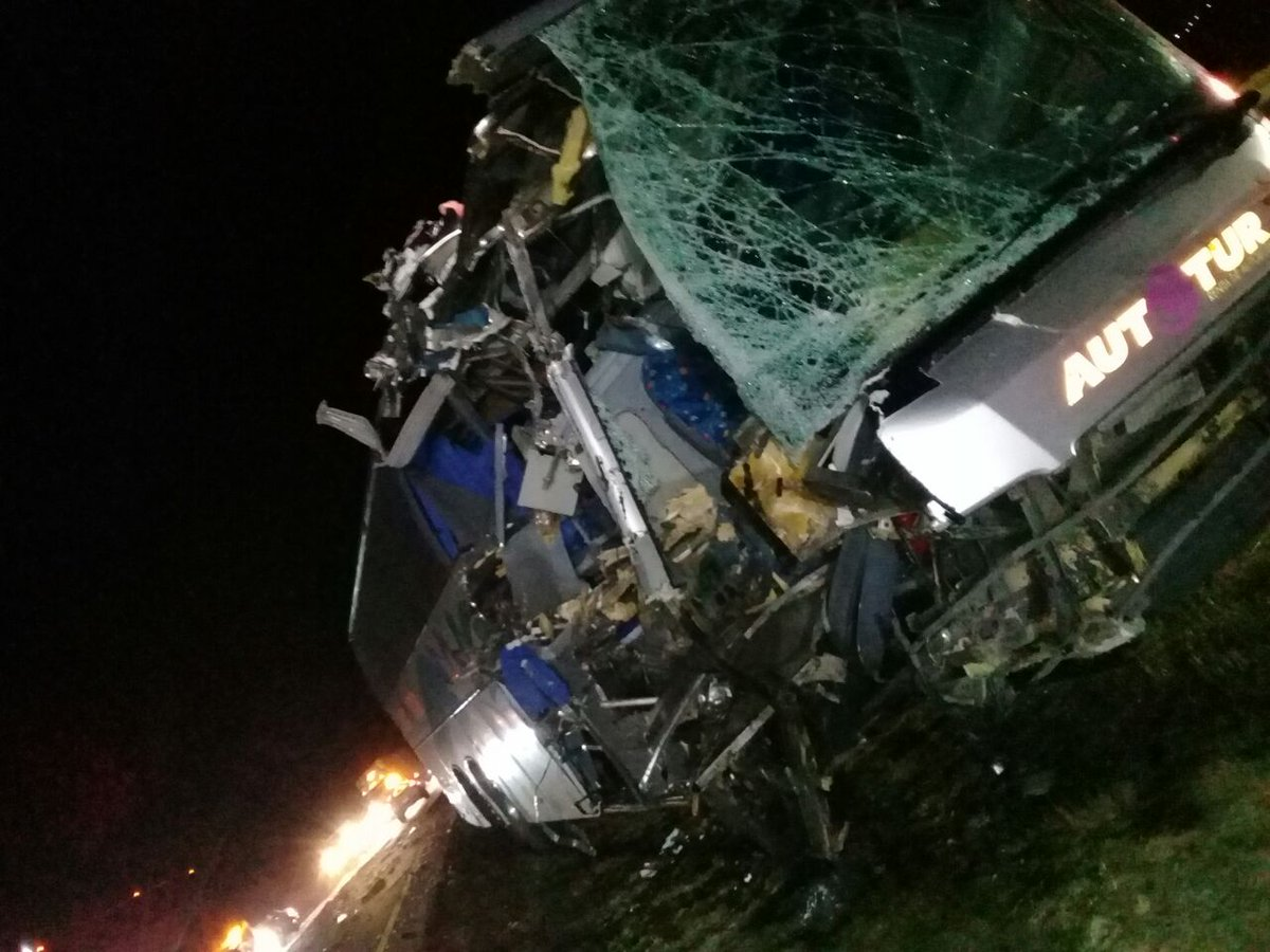 Liga Premier, Sufre Accidente, Veracruz, Tiburones, Automovilístico, Autobus, Choca, Trailer, Carretera, La Piedad, Viaje