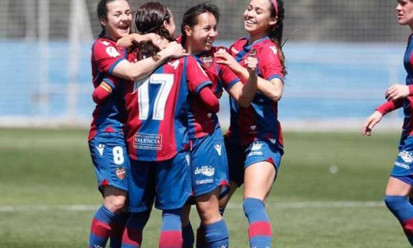 Charlyn Corral Levante Hat Trick Máxima Goleadora Récord