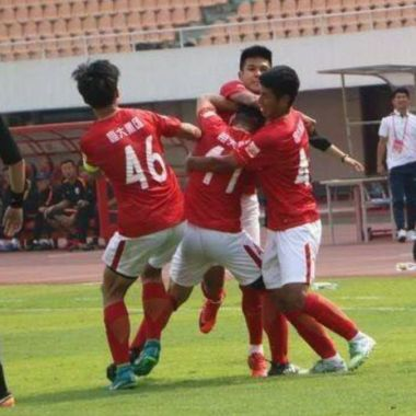 Jugadores del Guangzhou Evergrande, equipo que dirige Fabio Cannavaro golpes