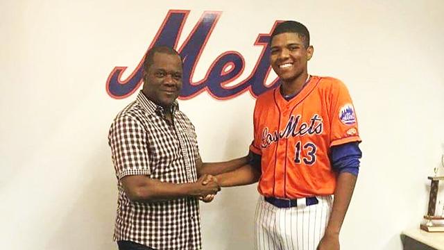 Héctor Ayuso Cachón Mets Grandes Ligas Adrián González Mexicano