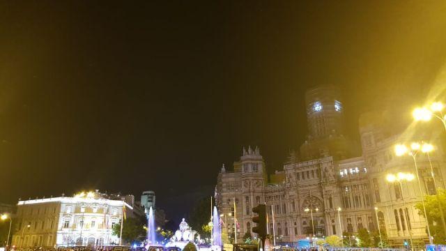 Aficionados Real Madrid Festejan Fuente Cibeles Champions