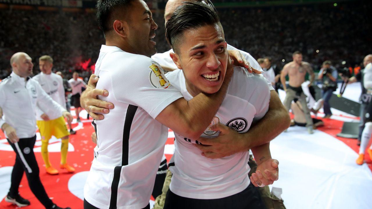 Carlos Salcedo Marco Fabián Campeones Copa Alemania